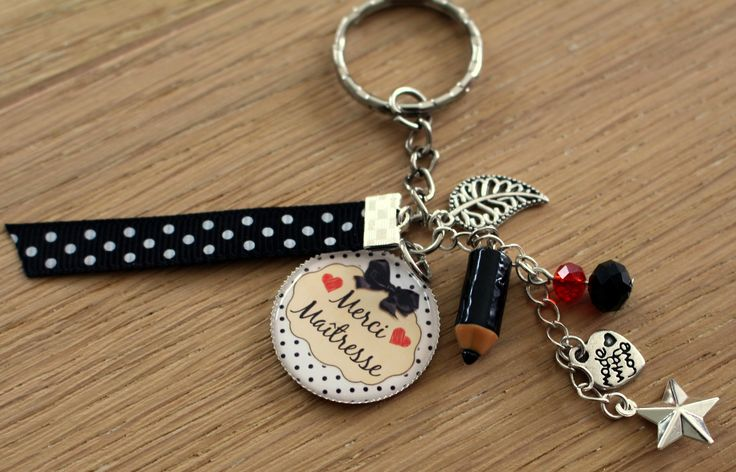 joli porte-clés grigri ou bijou de sac MERCI MAITRESSE idée cadeau maîtresse : Porte clés par elenacreations