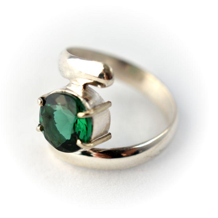 Anillo plata 925 y Cuarzo verde