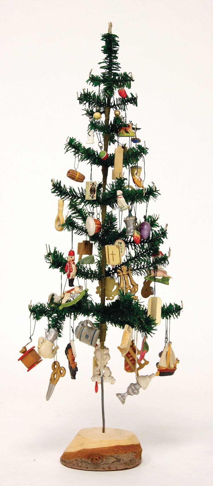 die besten 25 christbaumst nder ideen auf pinterest weihnachtsbaum sockel primitiver. Black Bedroom Furniture Sets. Home Design Ideas