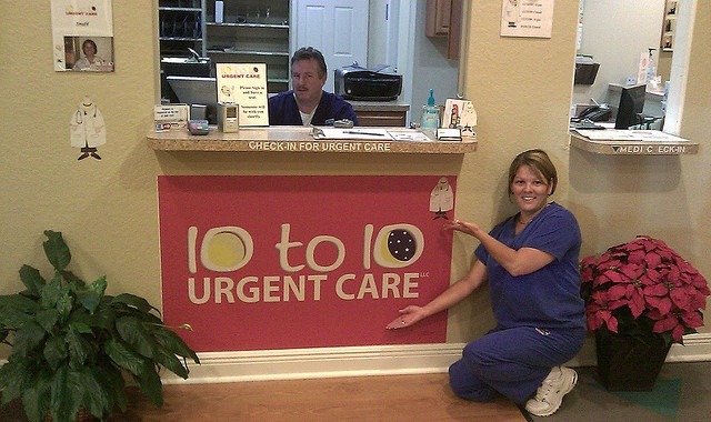 10 to 10 Urgent Care - Office Decor for the Medical Center!