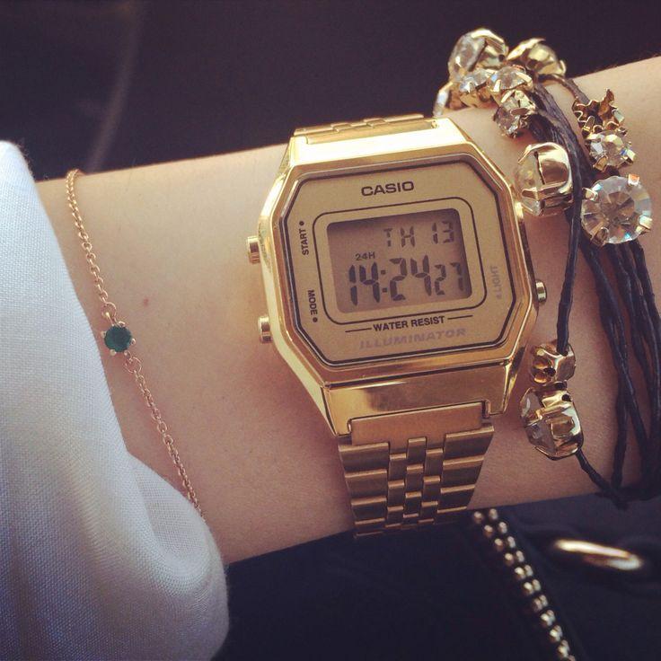 Eles estão de volta! A moda retrô está aí e poucos produtos representam tão bem essa tendência quanto os lindos relógios da Casio. Aqui na nossa loja temos este e muitos outros modelos! https://e-presentes.com.br #pulseiraouro #pulseirafolheada #folheadaouro