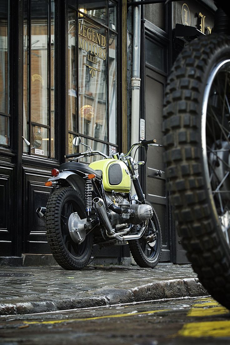 les 25 meilleures id es de la cat gorie motos anciennes vendre sur pinterest moto bobber. Black Bedroom Furniture Sets. Home Design Ideas