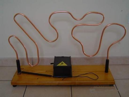 Vague électrique - jeu bois géant adresse estaminet