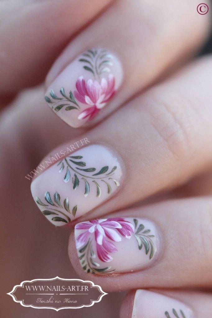Branches de brush stroke nails manicure