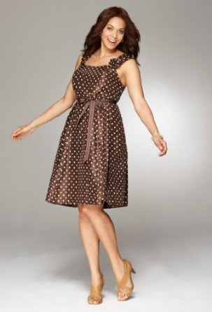 I love polka dots and brown is such a great color, just add a splash of color and perfection! Avenue Plus Size Belted Dot Dress