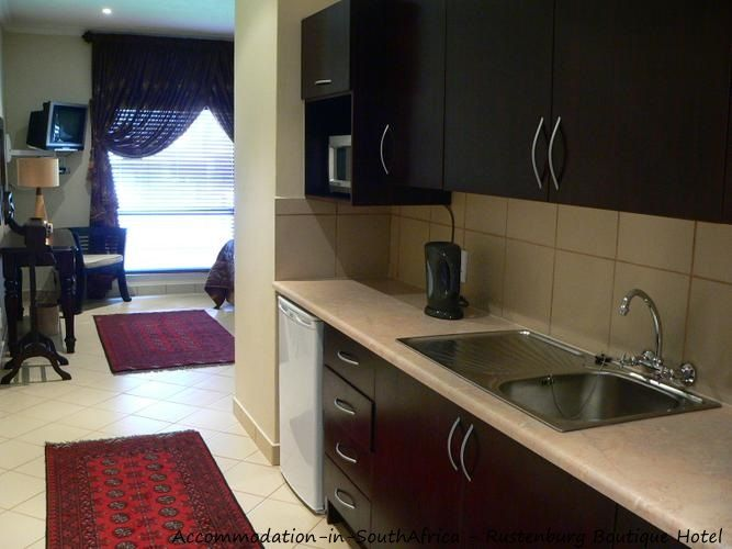 En-suite kitchen at Rustenburg Boutique Hotel. http://www.accommodation-in-southafrica.co.za/NorthWest/Rustenburg/RustenburgBoutiqueHotel.aspx
