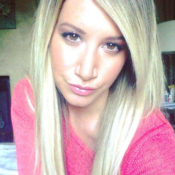 Look how beautiful she is #ashleytisdale