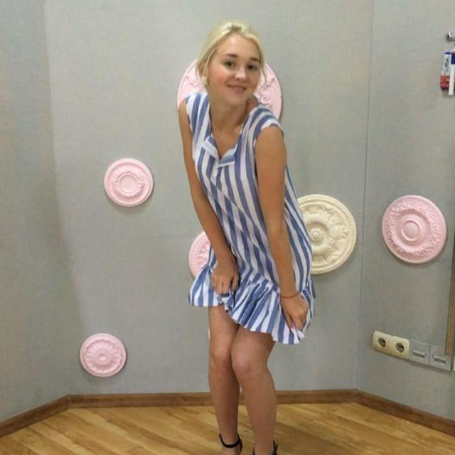 А Дашуля 👸🏼нас снова радует💃 своими милыми платьями!!👗Восторг!!😱😍Вдохновляйтесь, девочки!!✂️ Ждём Вас👣в Школе шитья Studio GoDress.🏩 #кройкаишитье #работаученицы #odessa #godress #vcso