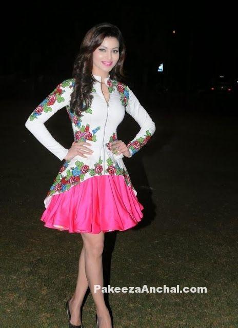 Urvashi Rautela in Floral print Skirt at Mitsui Shoji T-20 League Season-5 PakeezaAnchal.com