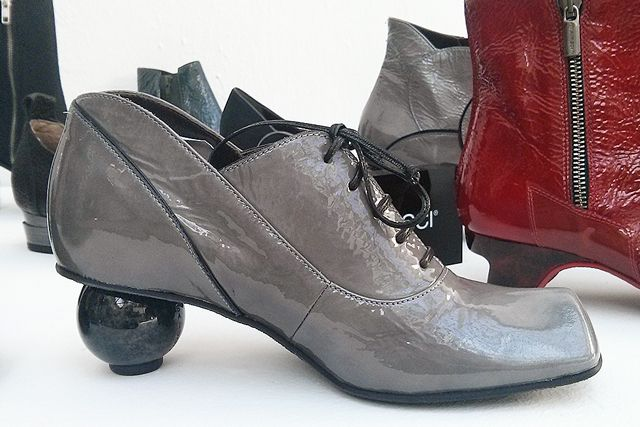 Shoes by Lisa Tucci #fashion #aw14 #trends #heels #blogger