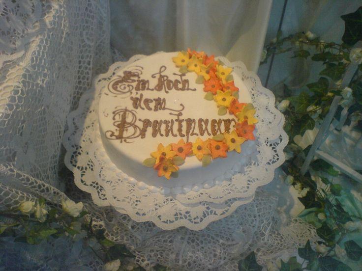 """Auch """"einstöckig"""" kann eine Hochzeitstorte anspruchsvoll sein."""