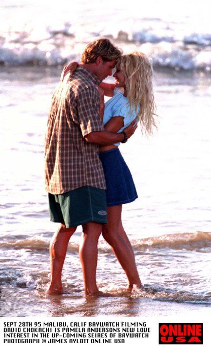 Still of Pamela Anderson and David Chokachi in Baywatch (1989)