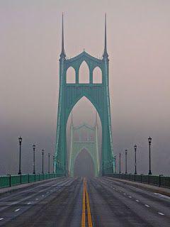 Лучшие инженерные сооружения: Мост Сент-Джонс (англ.St. Johns Bridge)— висячий...