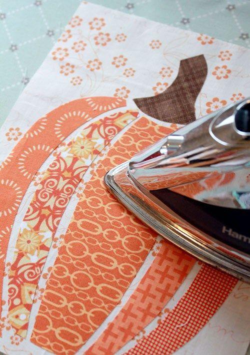 scrappy fabric pumpkin art - cite quilt block