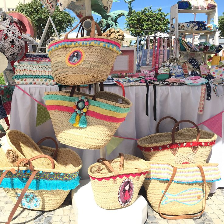 Another local market! So many beach straw baskets! Choose yours!