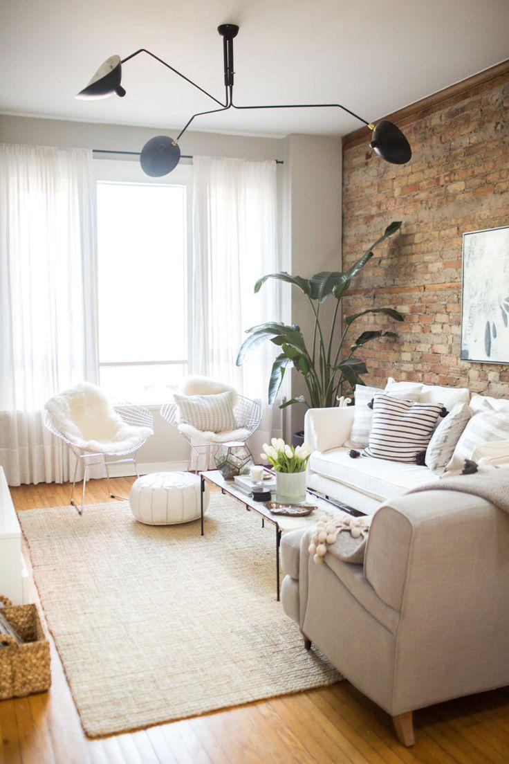 sala-com-tijolinho-a-vista-sofá-claro