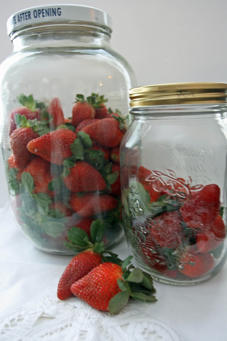 Great TIP forKeep Berries FRESH for a week or more! Outstanding idea!