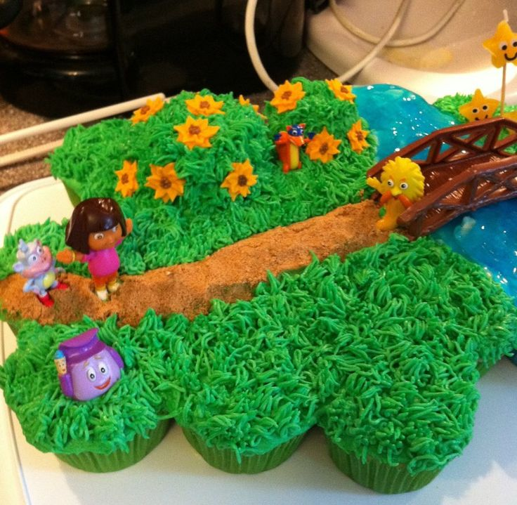 Dora Cupcake (Pull Apart) Cake