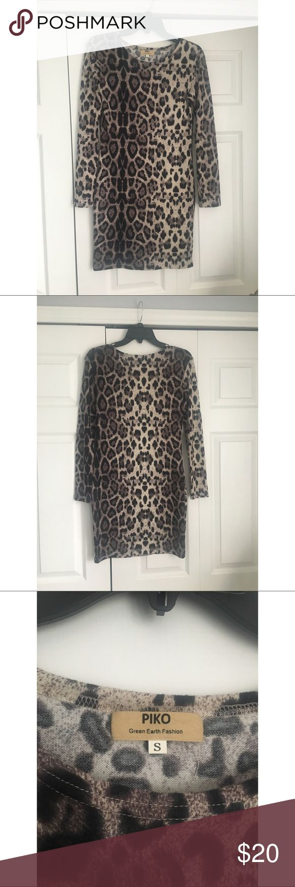 Leopard Long Sleeve Dress This is a long sleeve dress in a size small from Red Dress Boutique. Only worn once Piko Dresses Mini
