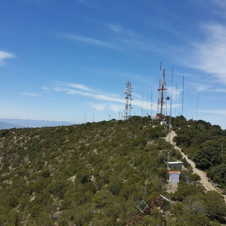 The beauty of my work.  Engineering  #amazing #photo #photography #picture #fotografia #shot #enjoy #work #towers #green #nature #wonder #landscape #nofilter #nofiltro #view #panorama #sky #morning #clouds #hills #top #high #zacatecas #mexico #climbing #antennas #engineer #systems http://tipsrazzi.com/ipost/1507048453984739071/?code=BTqHJWPD97_
