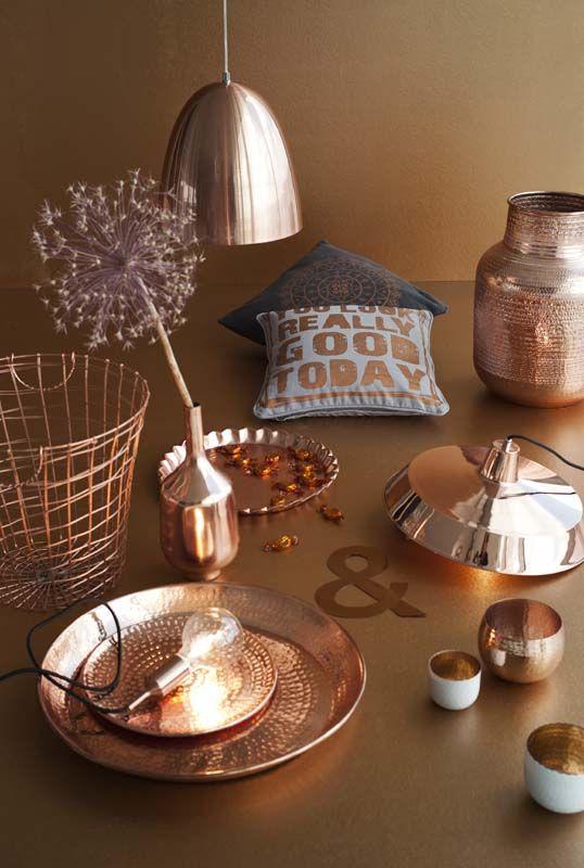 KARWEI | Koper: gloedvol, glanzend en nét iets chiquer dan goud of zilver. #wooninspiratie #karwei #woonkamer  --- VISIT http://stylewarez.com