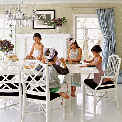 Stupendous Kid Friendly Dining Chairs Loris Decoration Ibusinesslaw Wood Chair Design Ideas Ibusinesslaworg