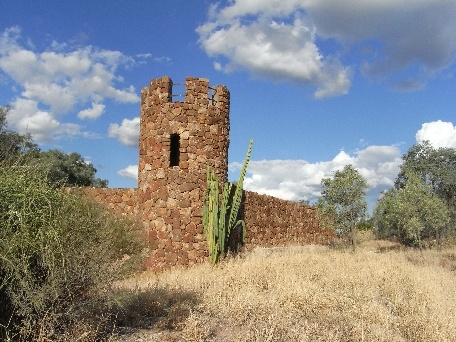 Amigo's castle, Lightning Ridge