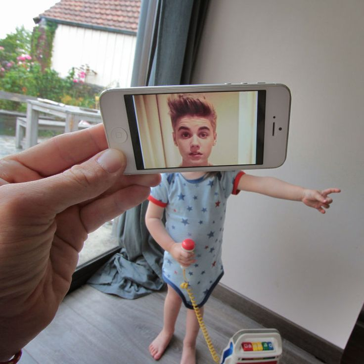 Justin Bieber 19 Creative Photos That Perfectly Combine Movie Moments With Real Life • Page 3 of 6 • BoredBug