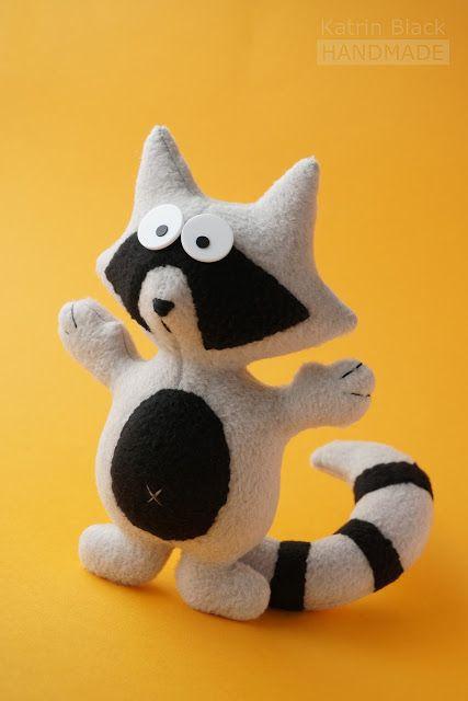 sew raccoon DIY (Шьём енотика, мастер-класс)