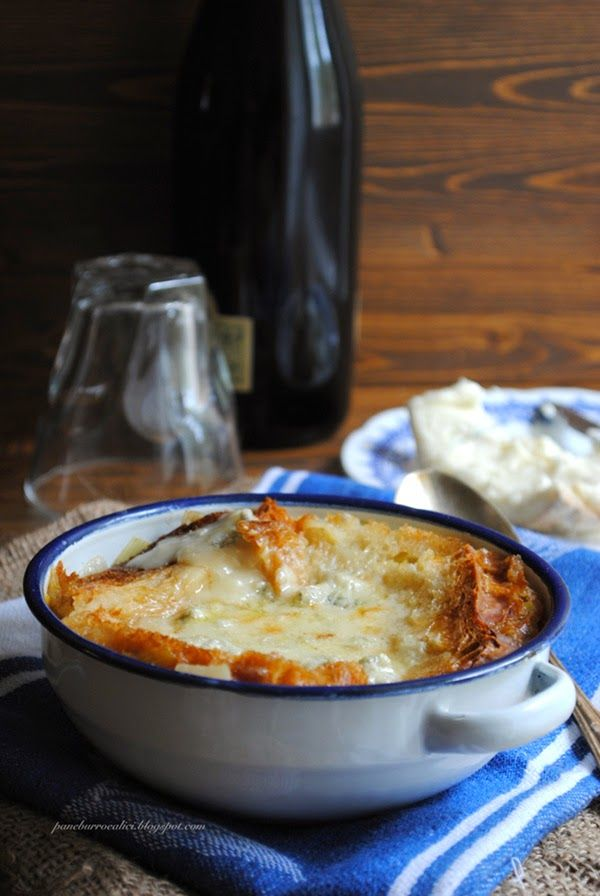 Pane, burro e alici: Zuppa di cipolle gratinata al gorgonzola