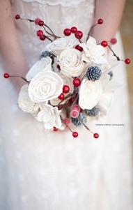 #winter #bridal #bouquet with red holiday berries