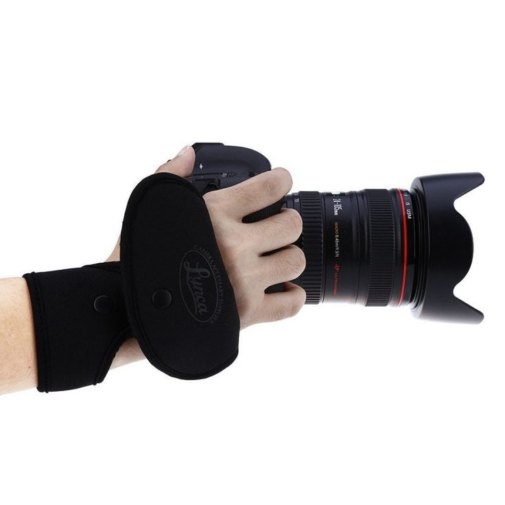 เช็คราคาเดี๋ยวนี้<SP>LYNCA Universal Camera Wrist Band for SLR DSLR Digital Cameras Nikon / Canon / Sony / Pentax / Panasonic (Black) - intl++LYNCA Universal Camera Wrist Band for SLR DSLR Digital Cameras Nikon / Canon / Sony / Pentax / Panasonic (Black) - intl It can effectively lessen the impact that your muscle bears, and prevent the wri ...++