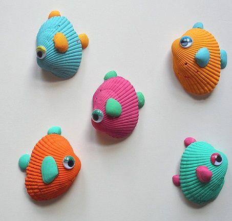 Peces con conchas de mar