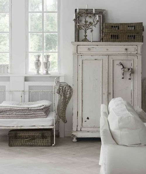 lets look at other romantic shabby chic items that can be found in the bedroom romantic shabby chic cupboards a mirror in or on a cupboar