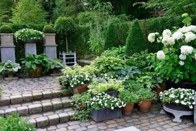 Plus de 1000 id es propos de garden jardin 4 sur pinterest jardins chemin de gravier et haies - Outs allee tuin ...
