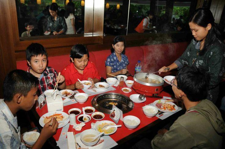 """makan"""" di Hanamasa"""