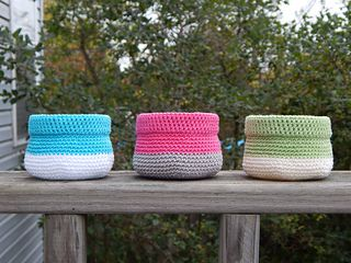Grab these adorable free crochet basket pattern for all your trinket storage needs!