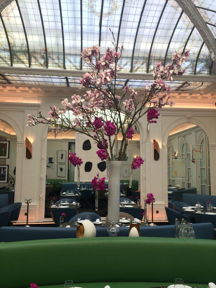 #hotelvernet #madameartisanfleuriste #magnolia #vanda