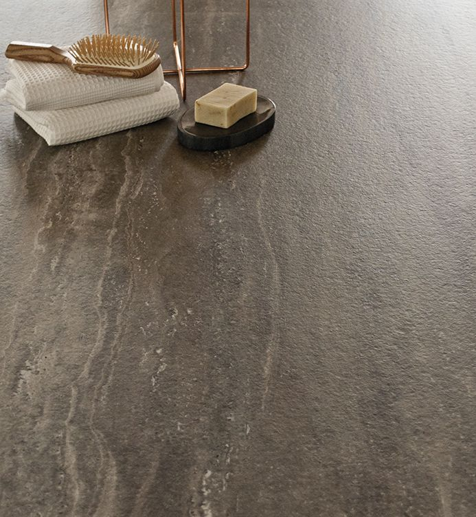 Geo gris abujardado en formato 150x300 cm dise o c lido for Marmol travertino gris