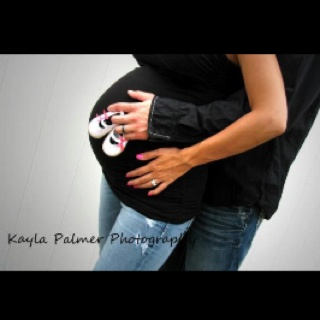 Maternity photos. 9 months pregnant. Baby girl.