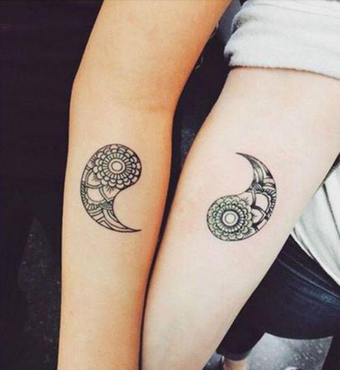 best 25 yin und yang tattoo ideas on pinterest. Black Bedroom Furniture Sets. Home Design Ideas