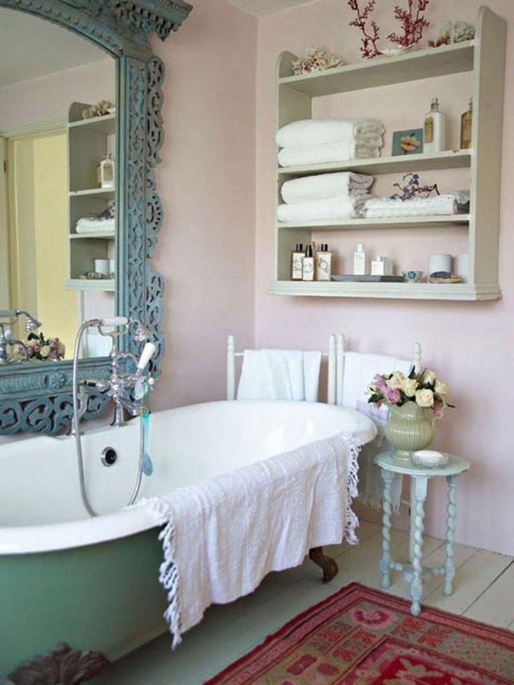 décoration salle de bain à l'anciennne de style shabby romantique