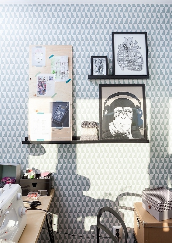 Bold wallpaper and IKEA RIBBA picture ledges | Delikatissen