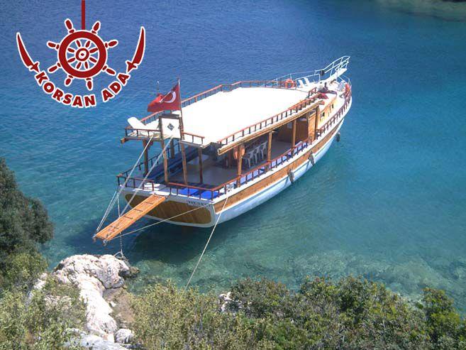Akdeniz'in mavi sularında tarih ve doğal güzelliklerle kucaklaşan şirin köyleri ve adaları bir tekne ile keşfetmek, hayal değil. Korsan Ada Kaş Otel in sizlere özel olarak fırsat sunduğu Kekova Bot Turuyla bu mümkün.. :)  http://bit.ly/17mbMgo #korsanadahotel #kaşotel #kekevabotturu #kaşbutikotelleri #korsanada