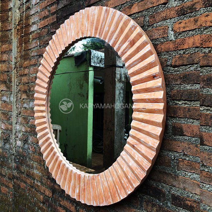 Cermin Hias Ruang Tamu | Pigura Gaya Antik | TOKO FURNITURE JEPARA