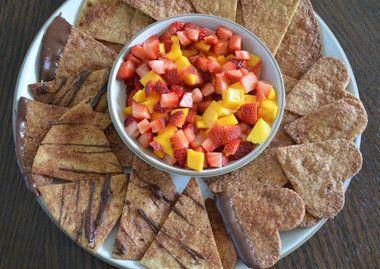 CINNAMON NACHOS & FRUIT SALSA: Food, Fruit Salsa Recipes, Appetizer, Dips, Fresh Fruit, Dessert