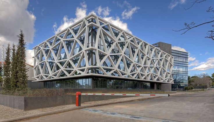 EIGHT Office Complex / PEOPLE