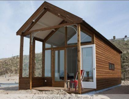 Bijzonder overnachten in een strandhuisje aan zee? Kijk dan eens op deze sites; deze huisjes staan op het strand in Katwijk, Julianadorp, Do...