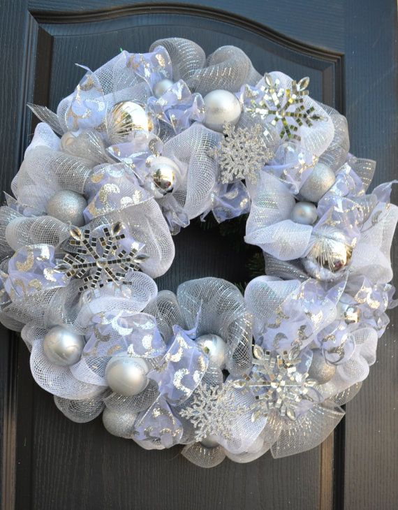 Deco mesh White Snowflake wreath Silver and White:
