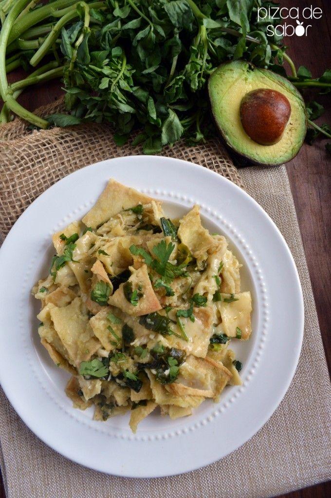 Cómo hacer chilaquiles verdes o rojos (versión saludable) | http://www.pizcadesabor.com